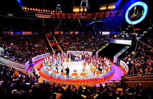 10  Международный фестиваль акробатического искусства прошел в г. Ухань