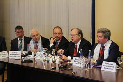 Урс Пилс  на пресс-конференции  в Ижевске