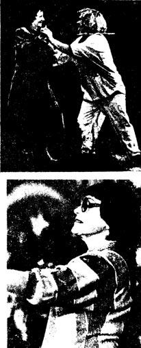 Бывший выпускник ГУЦЭИ Ю. КУКЛАЧЕВ и его педагог К. Я. НОВОДВОРСКАЯ. Ветеран цирка - народная артистка СССР ИРИНА БУГРИМОВА
