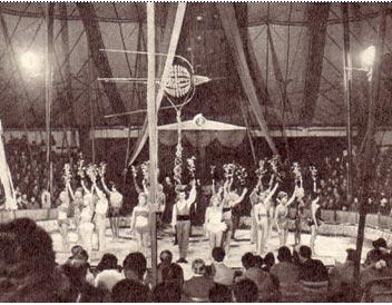 Варшава. Парад-пролог представления советского цирка