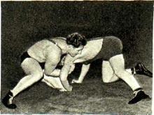 Борьба в партере. В. Белоглазов и В.Арнаутов