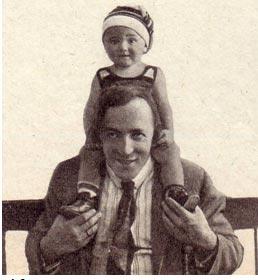 Тереза Ганибаловна Дурова 9 - лет 1963 год со своим дядей Анатолием Дуровым. Тереза - (младшая)