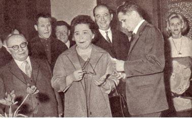На приеме в мэрии г. Монтрей. Слева секретарь ЦК КПФ   тов. Жак Дюкло.
