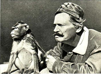 В. Л. Дуров и обезьяна. Что там происходит?