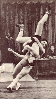 Удачный бросок. Фотоэтюд  артиста  С.  Иванова (г.  Ижевск) 1963 г