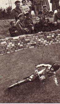 Семен Емельянович Ермаков — большой энтузиаст мотоциклетного спорта.