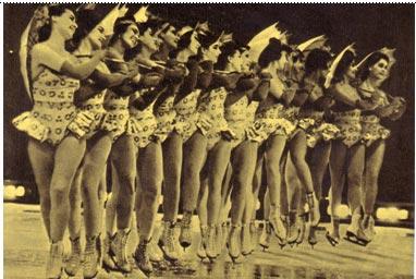 «Танец с зонтиками» в исполнении ансамбля «Балет на льду»