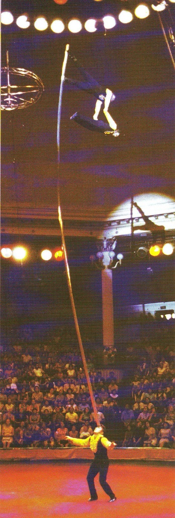 Эквилибристы на першах под руководством леонида костюка (equilibrists on poles, directed by leonid kostyuk)