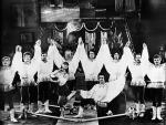 Акробатический ансамбль  РУСЬ п.р. Довейко В.В. младшего. Тула 1980год.jpg