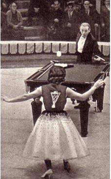 Жонглеры с бильярдом. Белоусовы