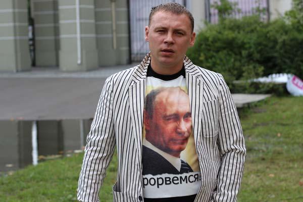 Василий Колос: «Цирк Олега Кононова не может уехать из Калининграда»