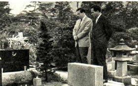 Советские артисты побывали на могиле Героя Советского Союза РИХАРДА ЗОРГЕ