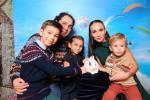 Дмитрий и Вероника Тесленко с детьми.jpg