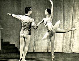 Адажио из балета А. Глазунова «Раймонда». Исполняют Е. РЯБИНКИНА и В. РОМАНЕНКО
