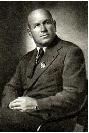 Н. ГЛАДИЛЬЩИКОВ, заслуженный артист РСФСР