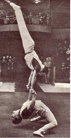 Акробаты Р. Касеев и Р. Манасарян