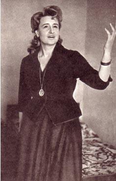 Актриса Москонцерта М. Протасова.