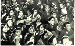 Юные зрители из колхоза им. Ильича Наманганской области