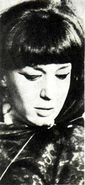 Популярная польская певица Ева Демарчик