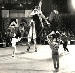 Акробатическая группа Скоморошники п.р Вилена Солохина.jpg