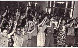 Встреча студентов школы искусств и артистов нашего цирка переросла в  демонстрацию дружбы  между советскими и кубинскими  народами
