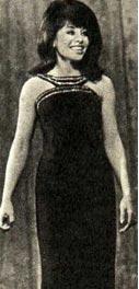 певица Геула Гилл.
