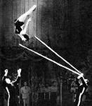 Акробаты-вольтижеры на шестах Ирина Шестуа и братья Асатурян.jpg