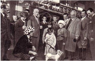 Советские артисты цирка беседуют с итальянцами О. Попов, В. Филатов