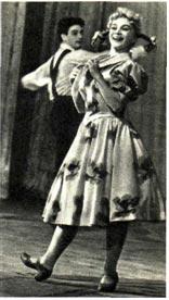 Н. Рудсепп  и  Э. Саттаров  исполняют «русский танец». Фото Ю. ЗЕНКЕВИЧА