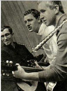 На снимке (слева направо): Дмитрий Згерский, Владимир Макаренко, Игорь  Щеулов. Фото И. ГАЛАНЮКА