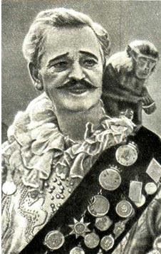 На манеже В. Л. ДУРОВ