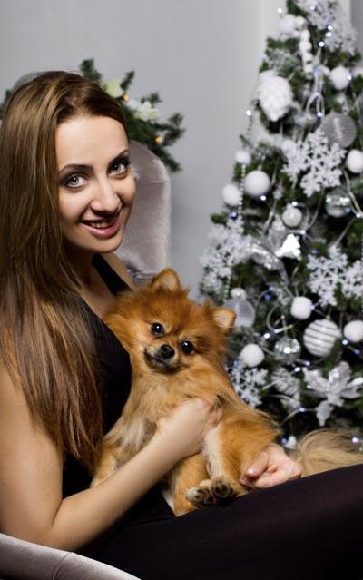 Упавшая гимнастка Дарина Кузьмина вышла на манеж в новогоднем шоу