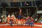 Завадский- акробаты на верблюдах.jpg