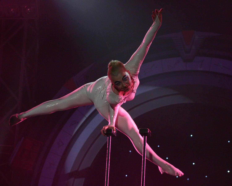 golie-tsirkovie-gimnastki