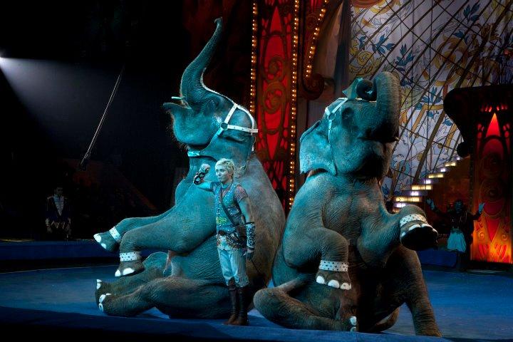 Мигель  поставил хореографию для новой версии легендарного шоу слонов Корниловых