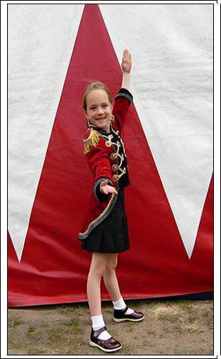 Сашенька  приветствует вас, дорогие Артисты Цирка!