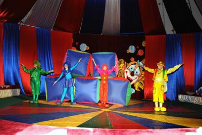 Надувное шоу Питиновых в цирке-шапито в Братеево
