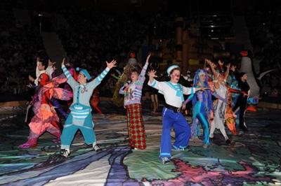 17 декабря открылась новогодняя программа «Морские звезды» в курском государственном цирке.