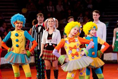В Омском цирке состоялось эстрадно-цирковое шоу, посвященное Всемирному дню цирка
