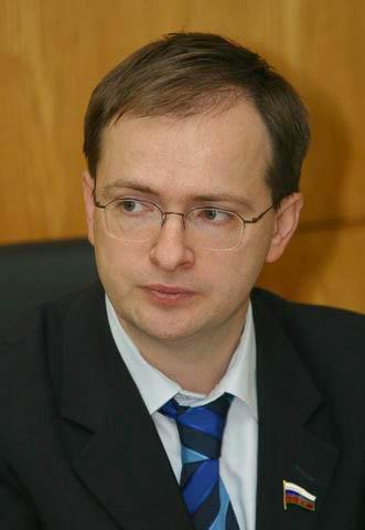 Владимир Мединский вручил государственные награды деятелям российского цирка