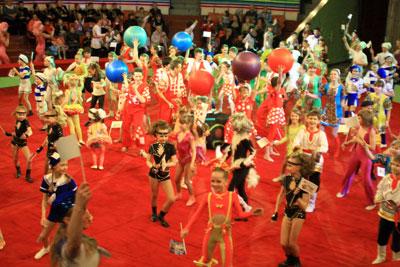 Участники циркового фестиваля «Волшебный ключ»