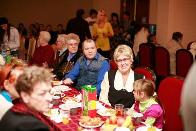 Ярославский цирк отметил Международный День пожилого человека «Осенним вальсом»