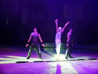 «Акробаты на русско й палке» (Беларусь) IV Всемирный фестиваль  циркового искусства в Москве.