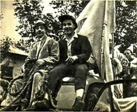 Клоуны  Гоша  и   Вася   на    кавалькаде  в   Новороссийске