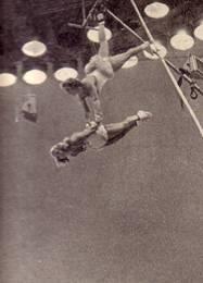 Гимнасты на бамбуке А. Беркис и А. Вилля