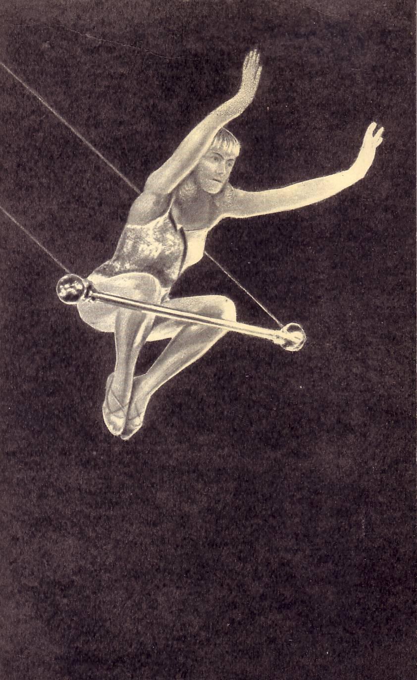 Воздушная гимнастка Эмма Грилье, подготовившая ряд новых трюков