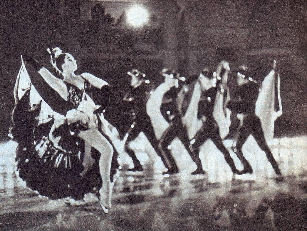 «Испанский танец».Солистка Г. Соловьева