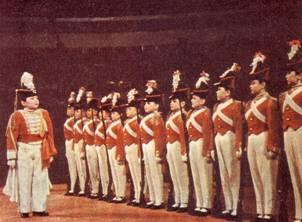 Сценка «Оловянные солдатики». Полковник – артистка Мария Вержбицкая