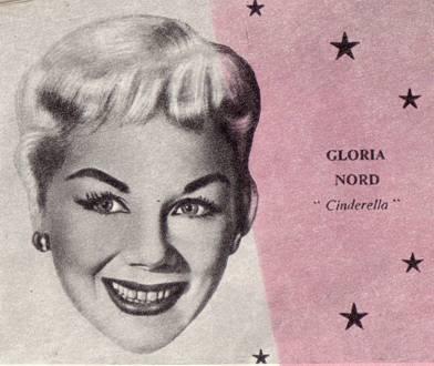 Глория Норд – исполнительница главной роли в феерии на льду – «Сандерелла» («Золушка»).