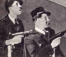 Незадачливые   «ажаны». Ю.  Никулин  и   М.   Шуйдин  в роли  полицейских